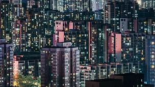 T/L ZO住宅楼夜景窗闪烁/北京,中国