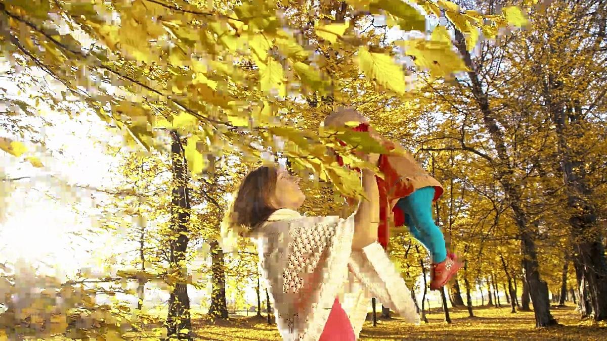 斯罗莫母婴享受秋天