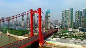中国湖北武汉鹦鹉岛长江大桥