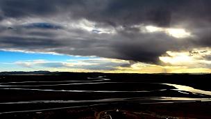 黄河日落云在中国的第一次弯曲