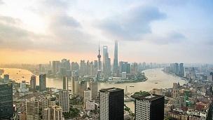 上海黑夜向白天过渡的延时摄影