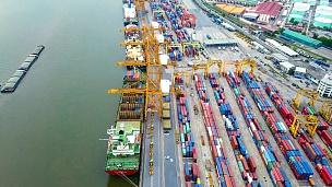 集装箱船工业港口的延时摄影