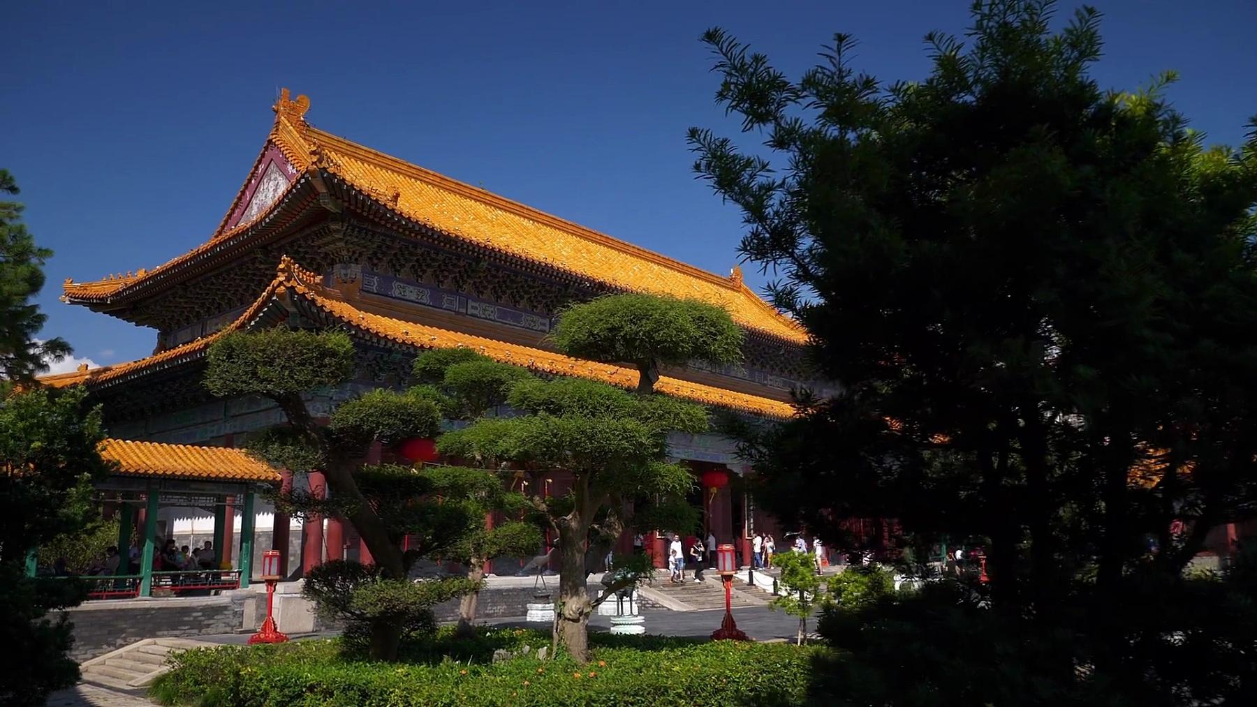 晴天珠海市公园庙前慢动作全景图 中国