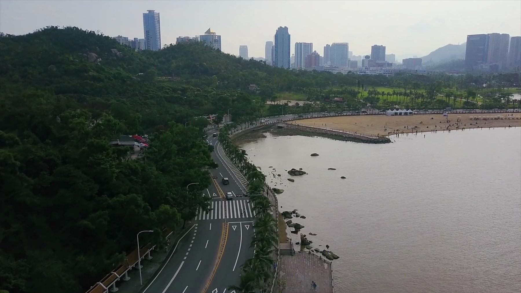 晴天珠海市著名海滩交通海湾公园空中全景 中国