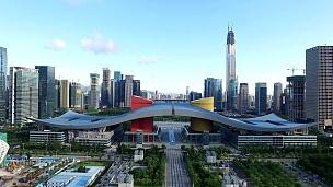 实时鸟瞰深圳现代建筑和城市景观。