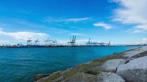 带集装箱的工业港口