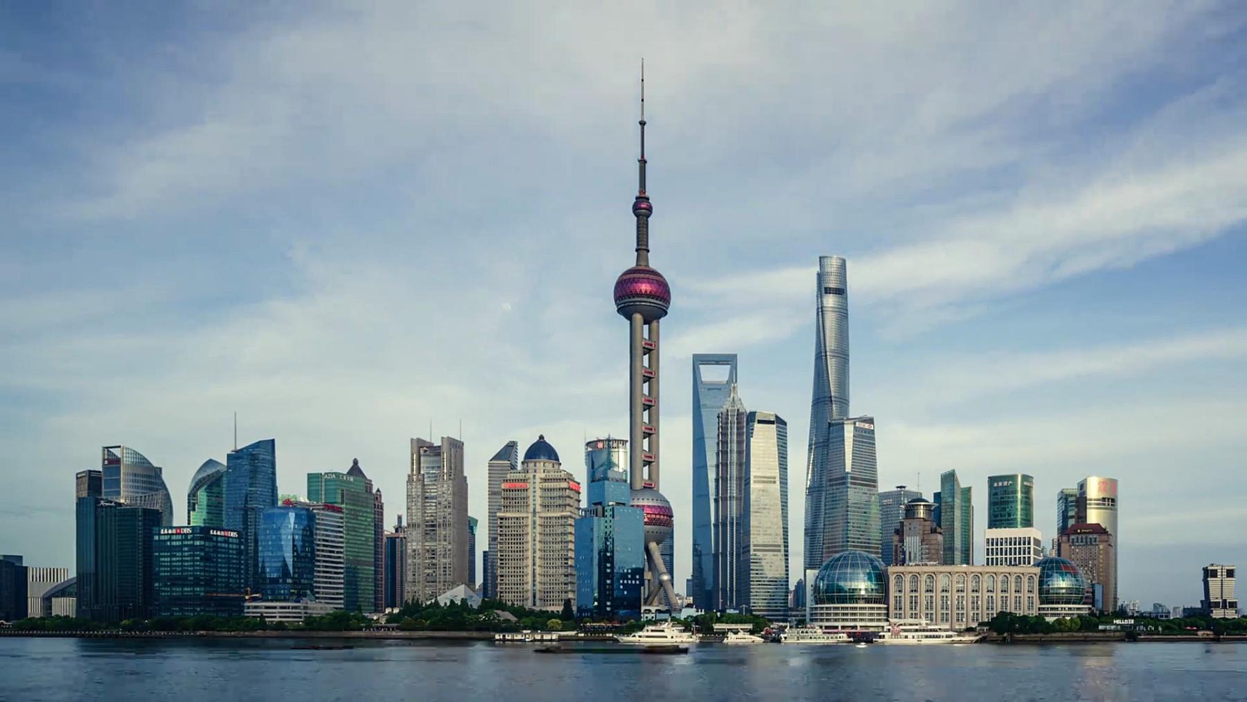 上海的现代城市景观和天际线.timelapse