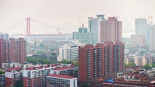 晴天武汉市风景英梧州长江大桥屋顶全景 延时摄影中国