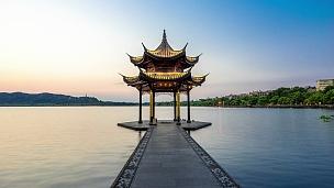 杭州西湖古建筑。日日夜夜