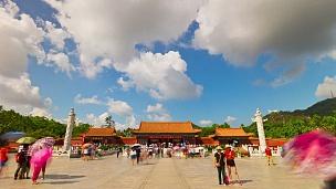 中国晴天珠海著名的新元明公园入口反光  timelapse