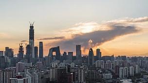 T/L WS HA ZO北京城市天际线带阳光/北京,中国