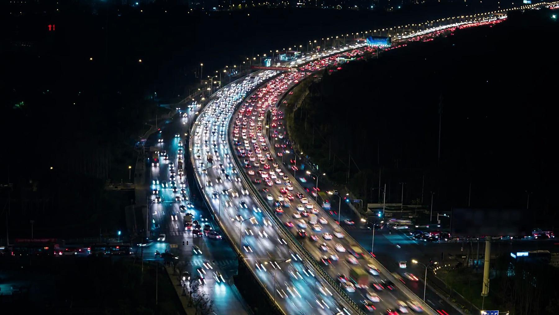 T/L HA夜间拥挤高峰时间交通/北京,中国