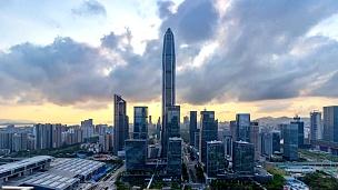 深圳现代建筑天际线从黄昏开始延时/深圳,中国。