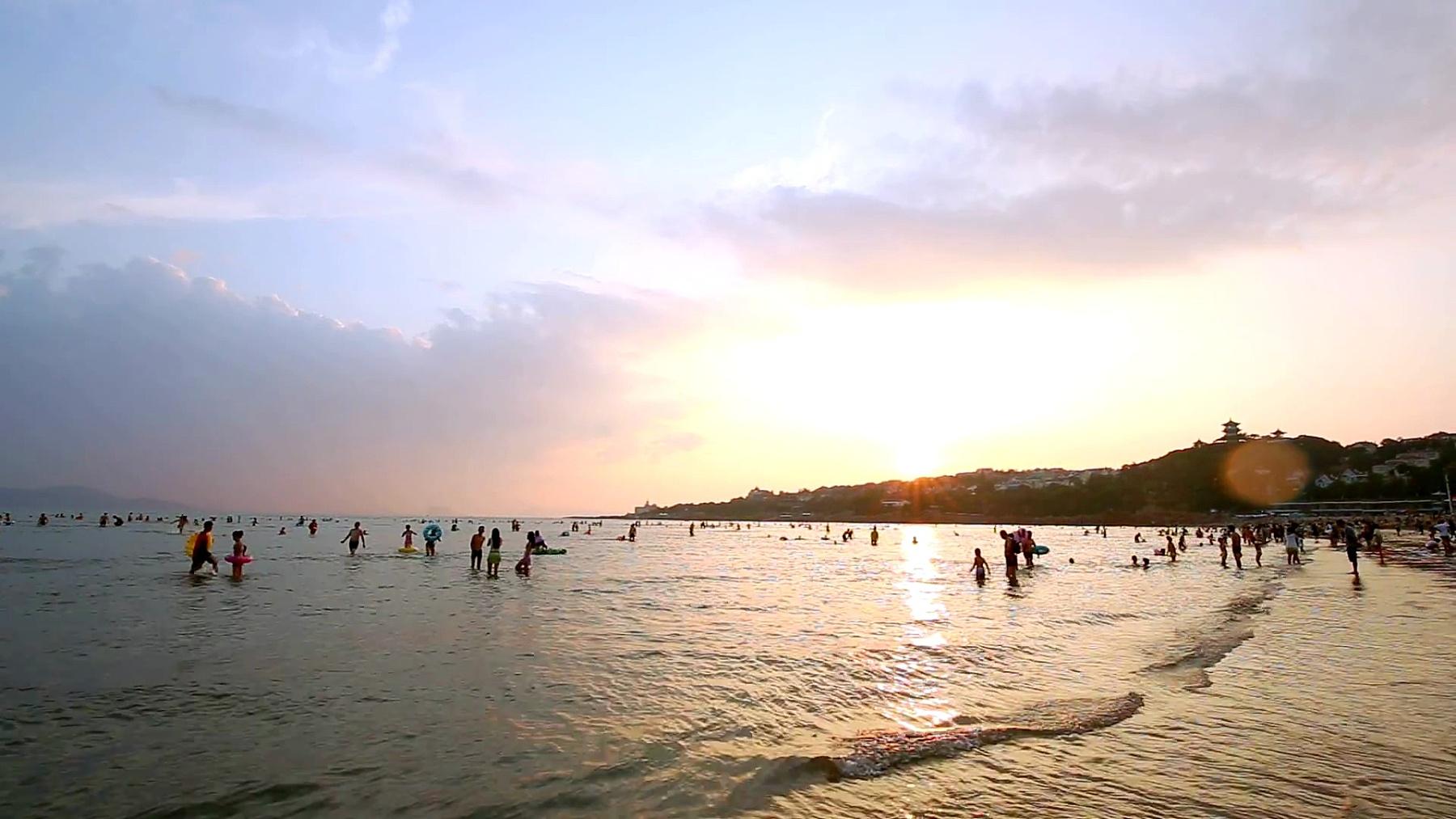 青岛日落海滩