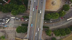 中国武汉市著名交通长江大桥海湾空中俯视