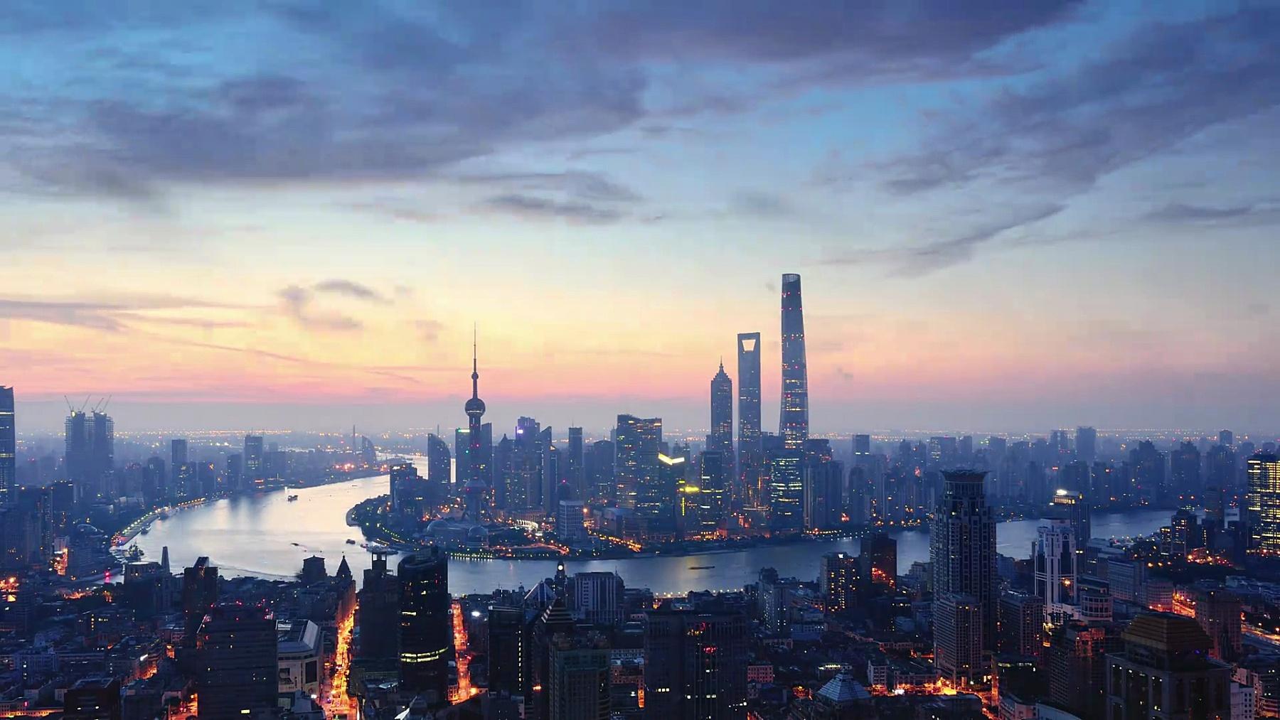 鸟瞰上海,黎明到白天的延时摄影