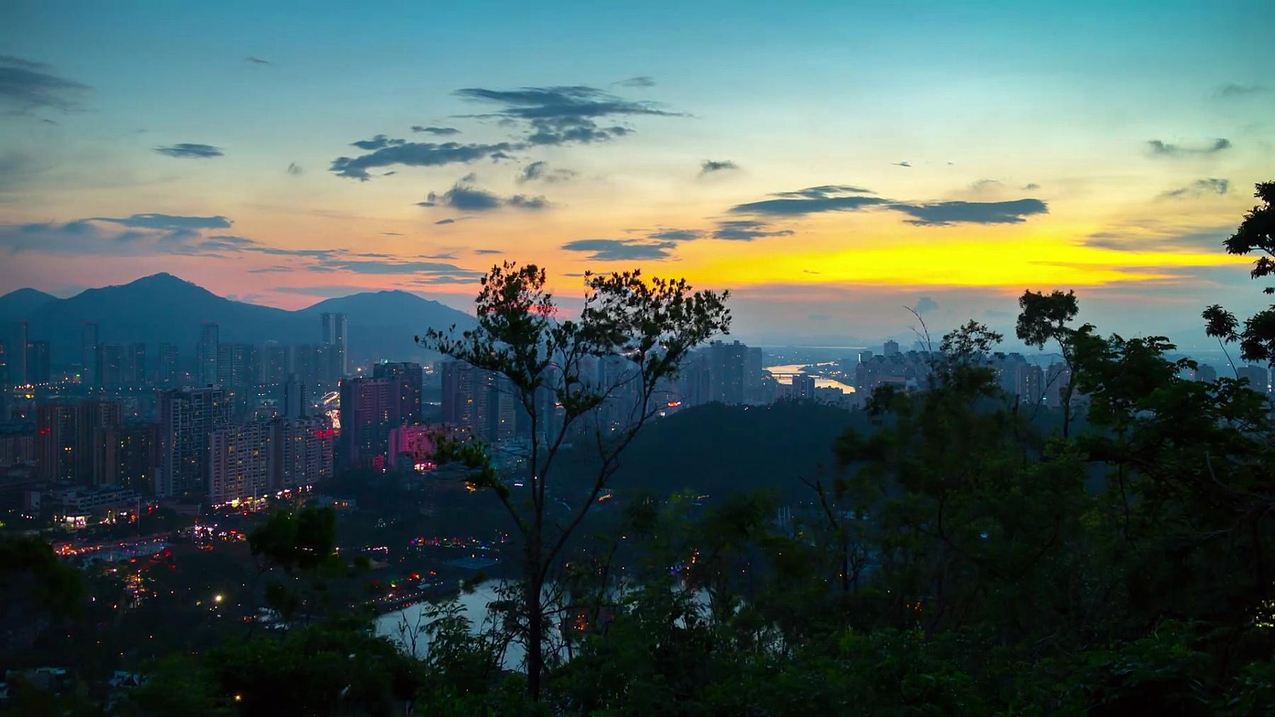 中国日落珠海名山公园顶城市景观全景  timelapse
