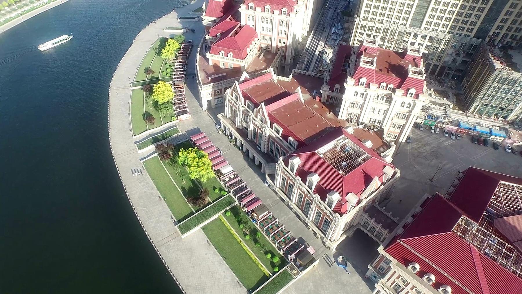 天津现代建筑和城市景观的鸟瞰,实时。