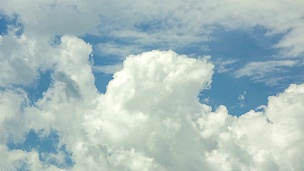 云在天空中移动的时间间隔