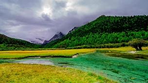 亚丁国家级保护区崇古牧场秋季景观