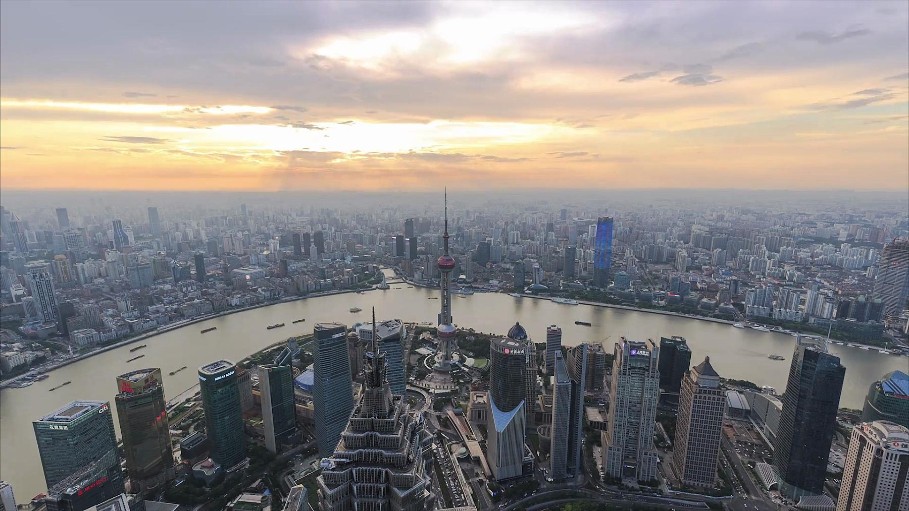 上海天际线和城市景观的日夜时差