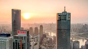 日落时的天际线,城市景观,现代城市重庆的建筑,时光流逝。