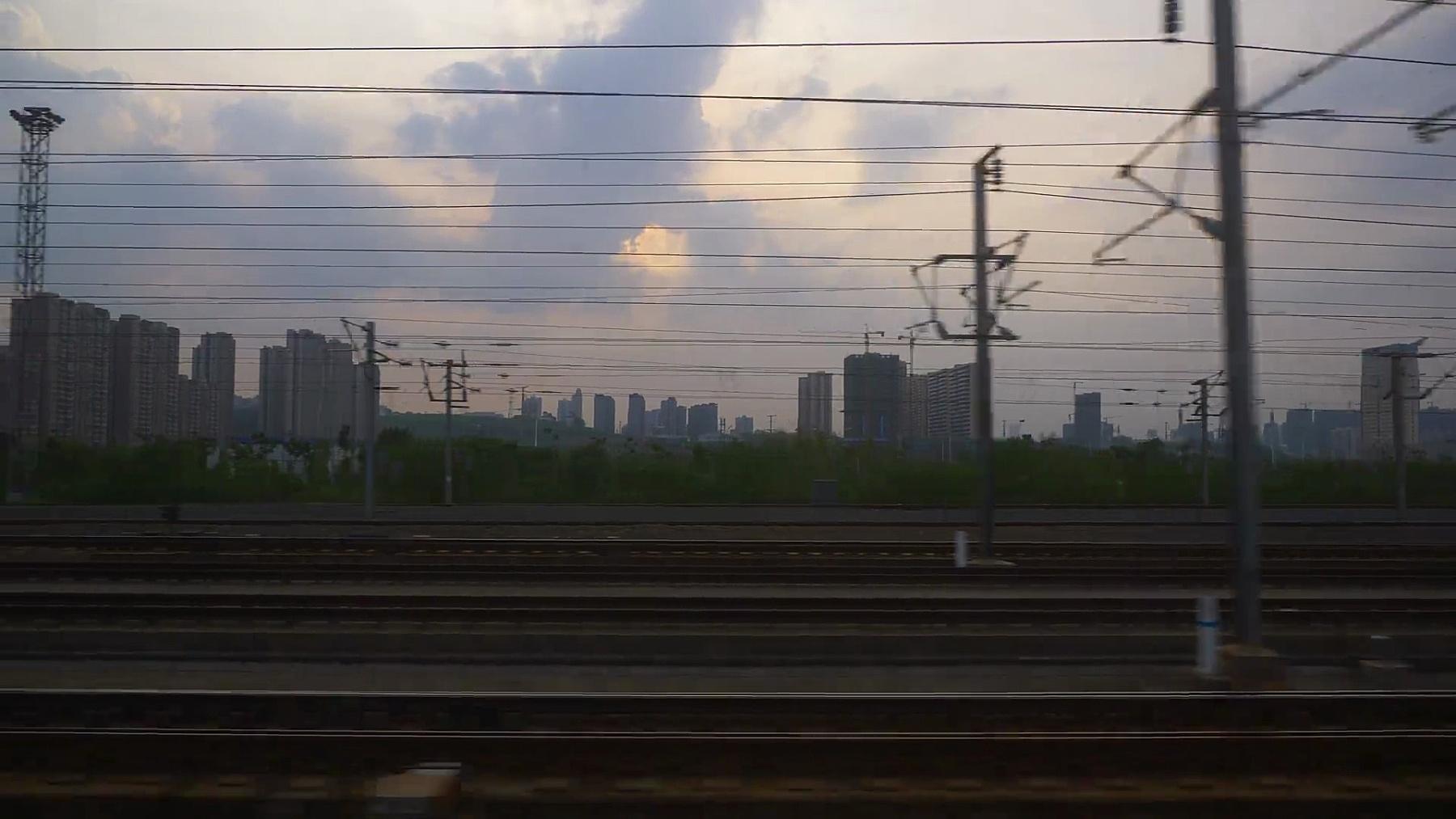 日落天空武汉深圳火车出行侧窗pov全景 中国