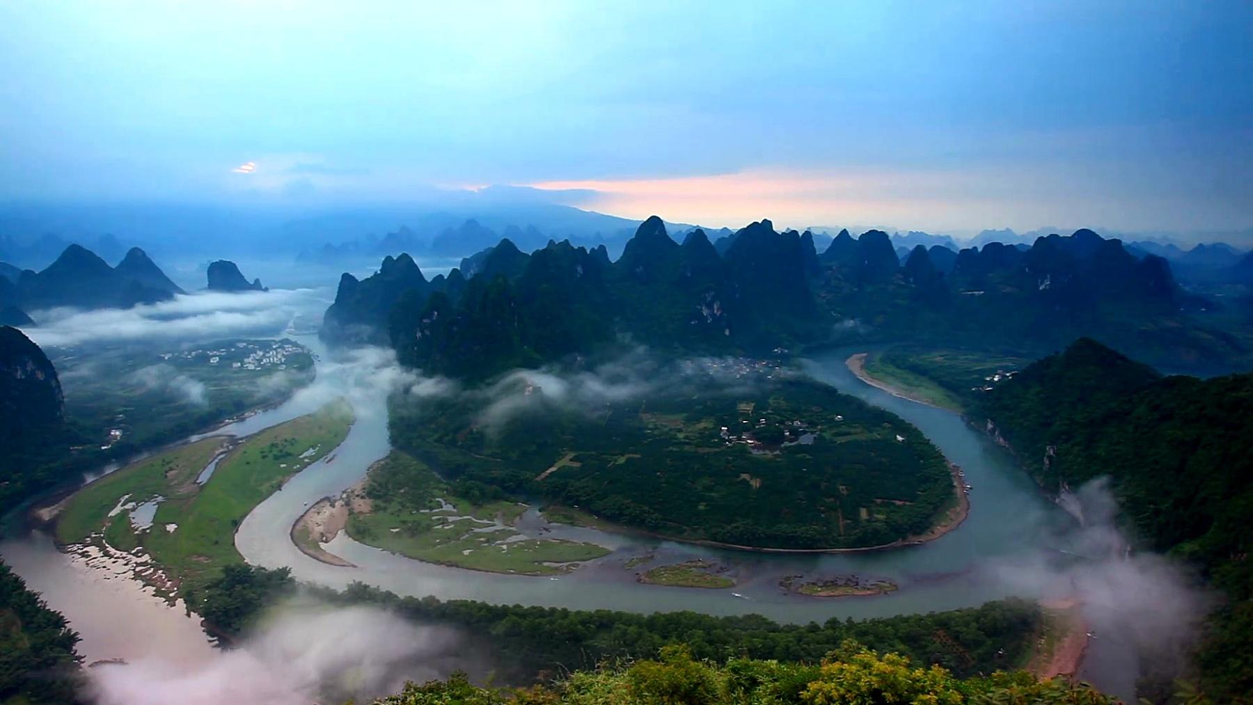 黎明里的漓江,桂林,中国