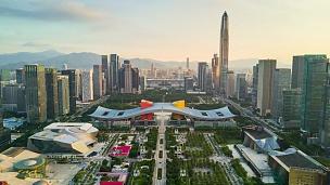 中国深圳城市景观日落天空市中心市政厅航空全景 时间间隔