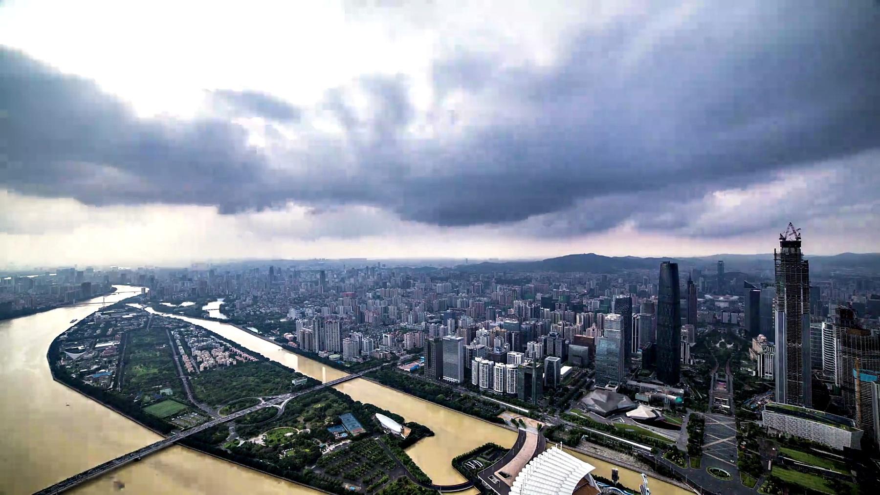 广州市暴风雨日落时间